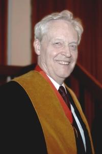 Prof Sir Roderick Floud FBA, FCGI, Past Master 2005/6